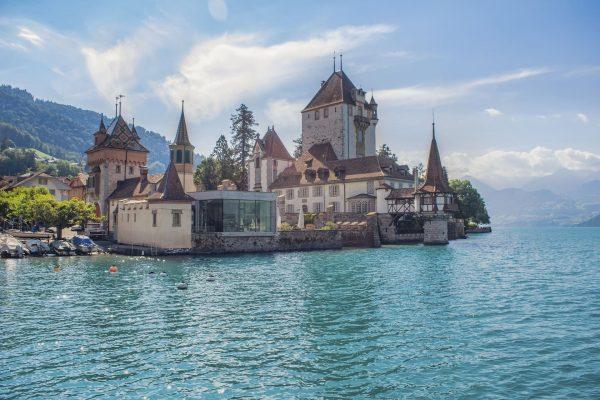 Lago-Oberhofen-suiza