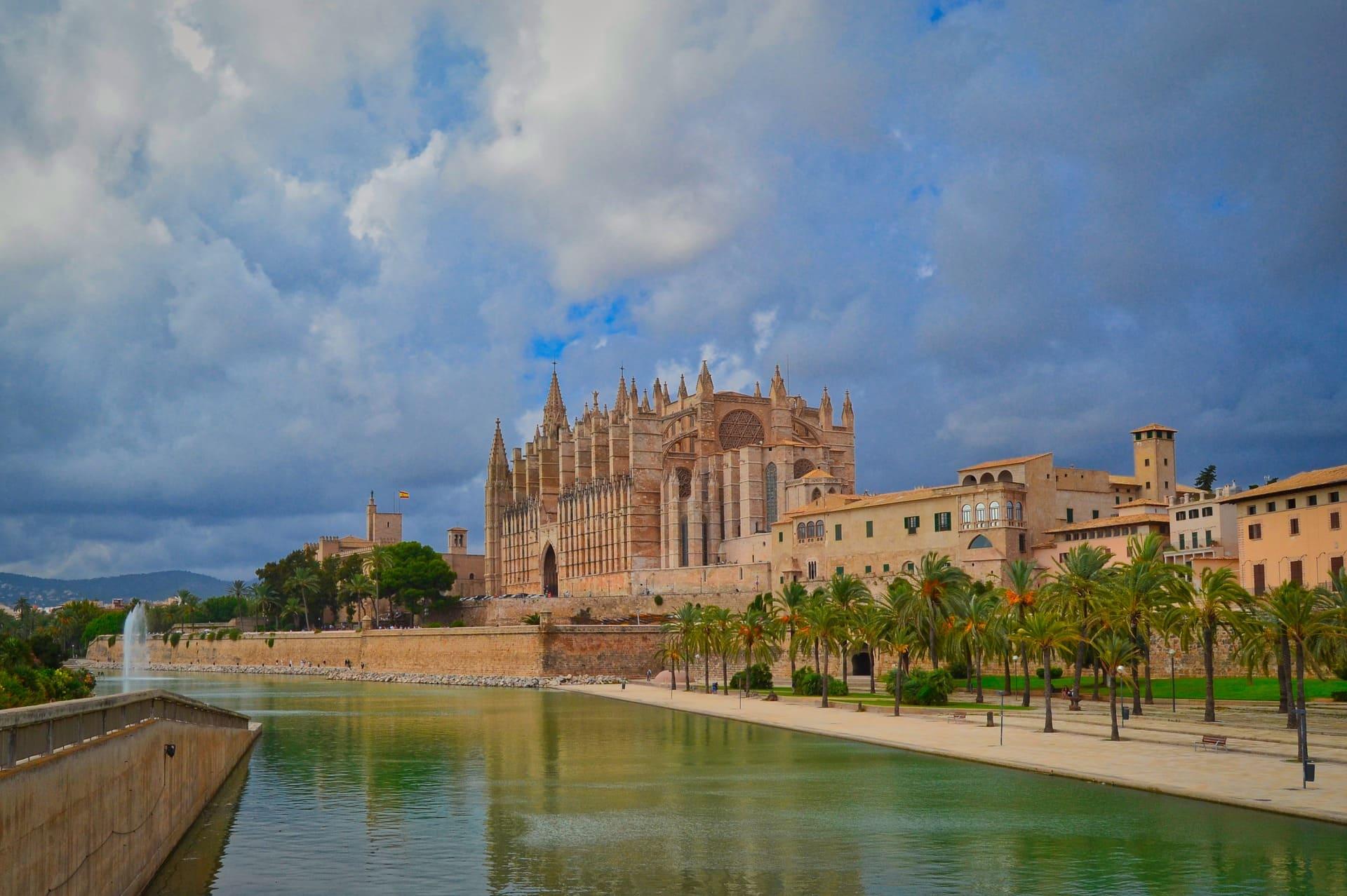 catedral-palma-mallorca-viaje-sorpresa