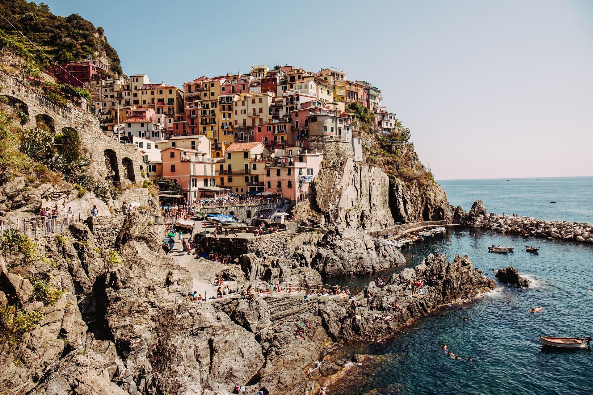 manarola-ciudad-italia-colores