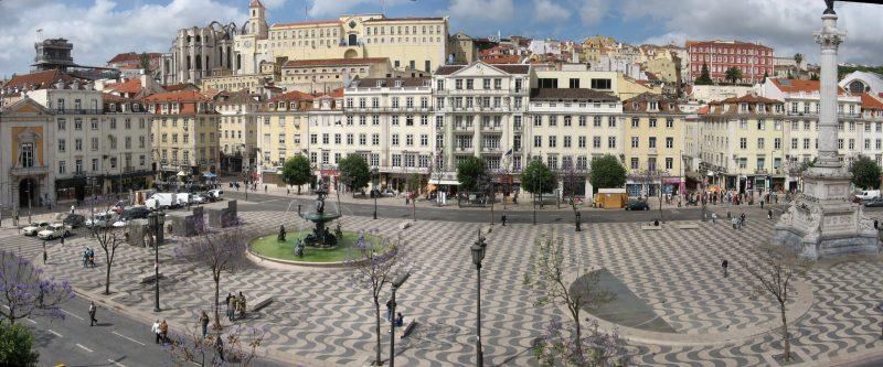 Feira da ladra Lisboa viaje sorpresa wishandfly
