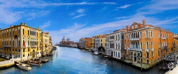 venecia-edificios-canales-agua