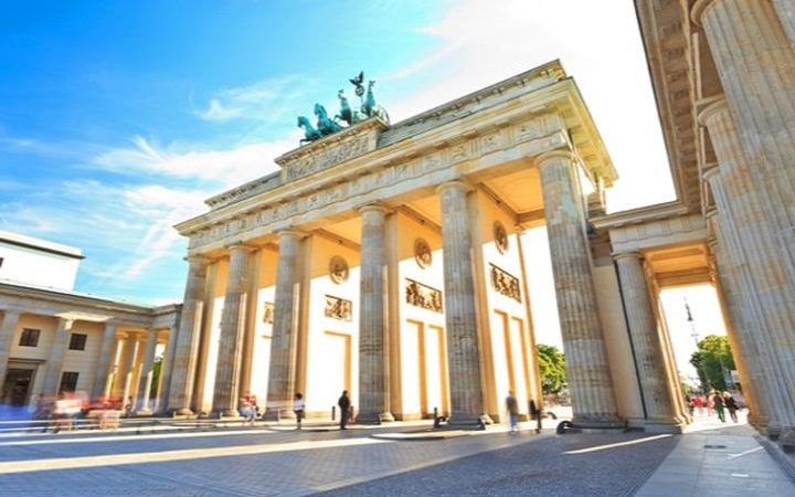 Berlin Wish&Fly Überraschungsziel. Überraschungsreise.
