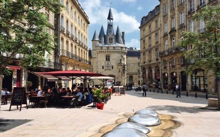 Bordeaux Überraschungsziel Wish&Fly. Überraschungsreise.