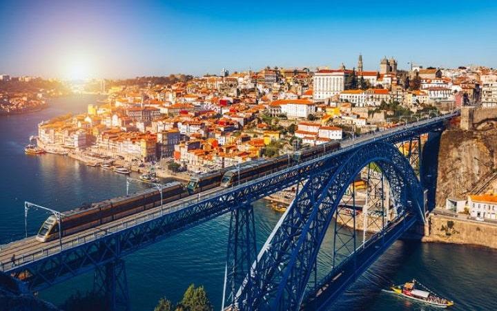 Porto Überraschungsziel Wish&Fly. Überraschungsreise.