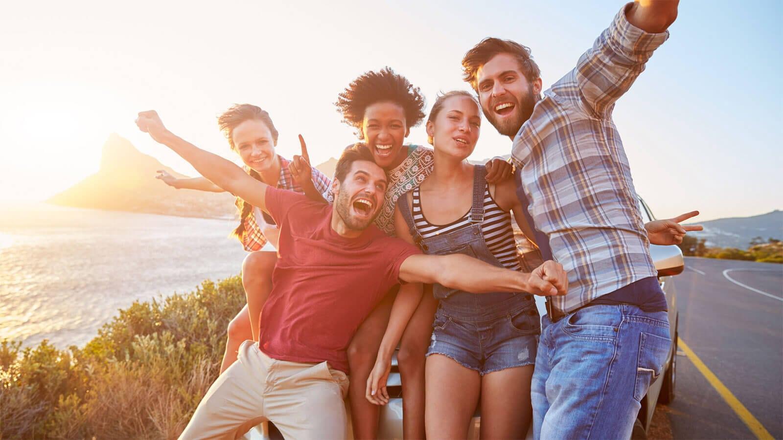 Überraschungsreise 1 Tag Hin- und Rückreise Gruppe von Freunden Wish&Fly
